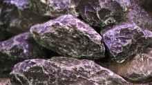 Steine und Höhlen