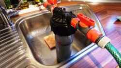 WW  Carbonitfilter der Frischwassereinleitung vorgeschaltet