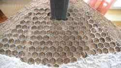 4 cm Nährboden und der noch unverkleidete HMF