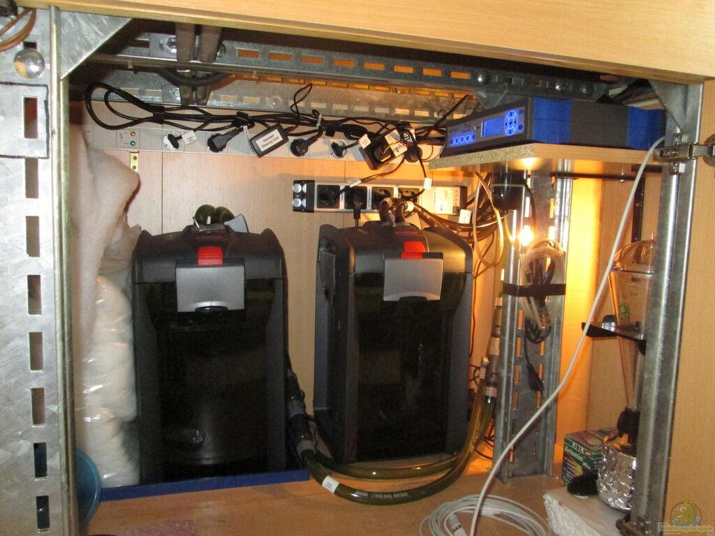 aquarium von christian grunwald wohnzimmer. Black Bedroom Furniture Sets. Home Design Ideas