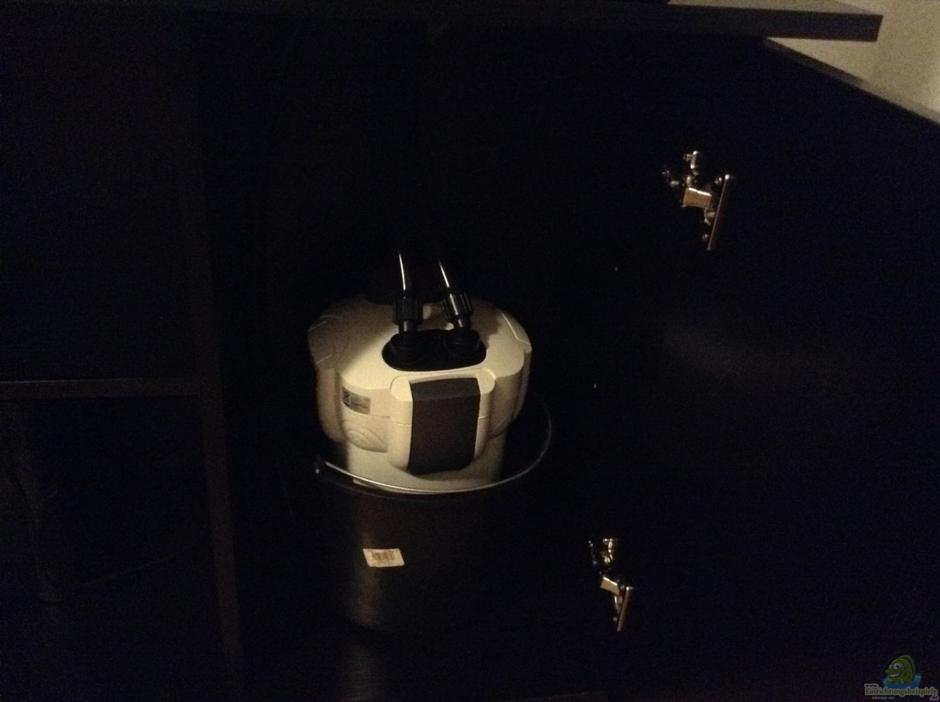 sunsun au enfilter aus wurzel biotop ohne heizung von simon w. Black Bedroom Furniture Sets. Home Design Ideas