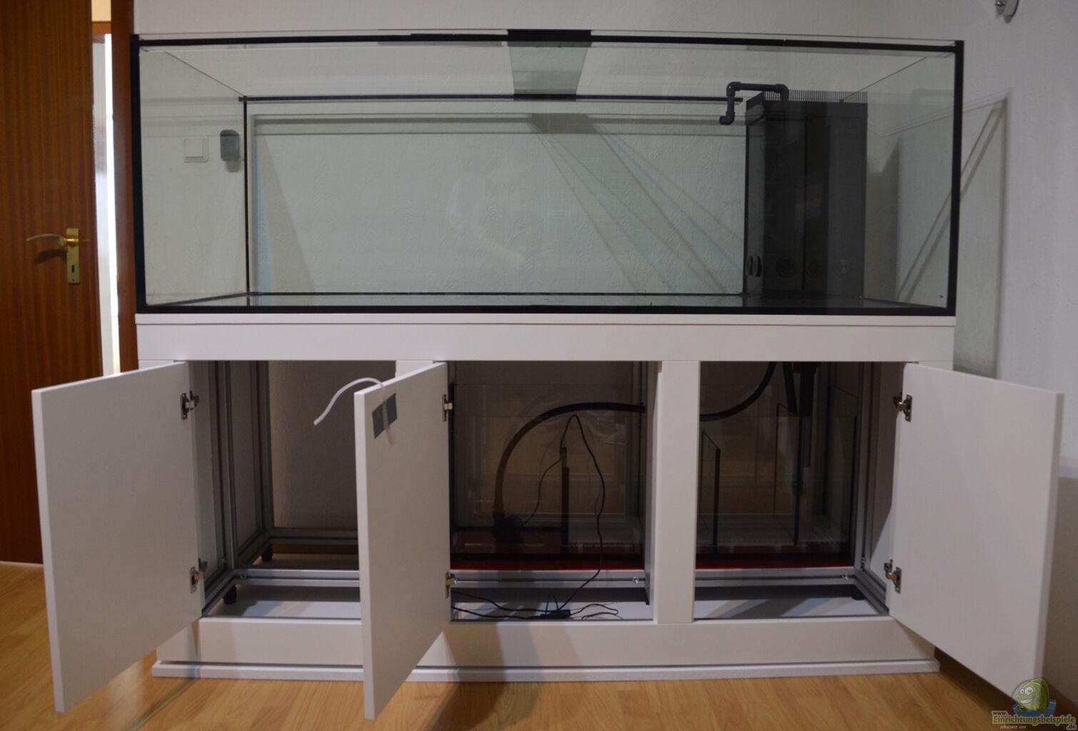 tag 1 mit offenen t ren und sichtbarem technikbecken aus amazonas 66424 neu von achimtheobald. Black Bedroom Furniture Sets. Home Design Ideas