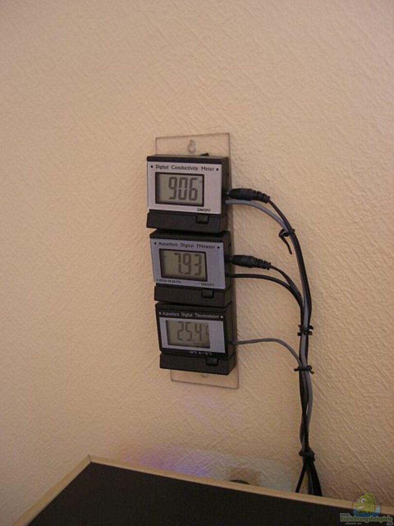 ph wert leitwert und temperatur messger t aus nur noch 200 liter malawi beispiel von matoba. Black Bedroom Furniture Sets. Home Design Ideas